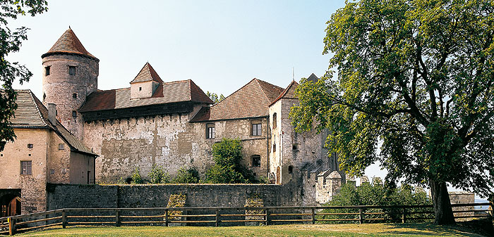 Picture: Main castle with keep and protective wall